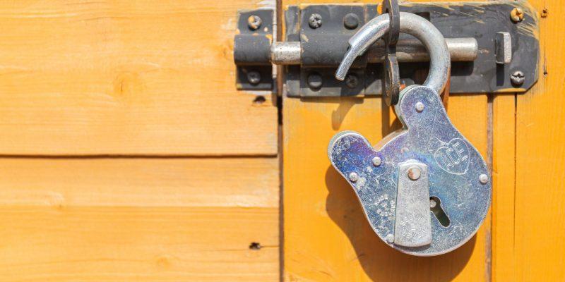 Huis veilig achterlaten tijdens vakantie 4 tips - Voordemannen